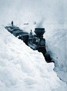 Train_stuck_in_snow